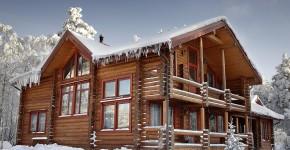 Pielęgnacja domu z drewna zimą